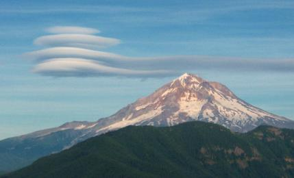 lenticular clouds over Mt Hood