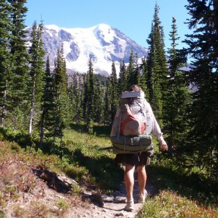 ALONG THE PACIFIC CREST TRAIL -- September Section Hikes in Oregon and Washington --