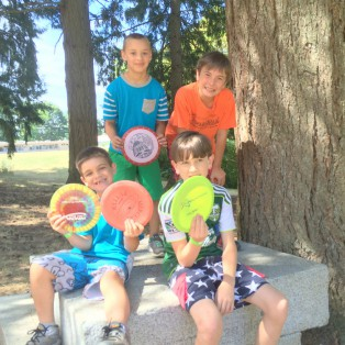 Community Outreach: Disc Golf Donations to Vermont Hills Family Life Center