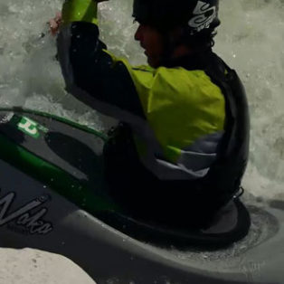 Video How To: Choose a Whitewater Kayaking Paddle