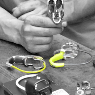 Video: How To Choose A Belay Device For Rock Climbing