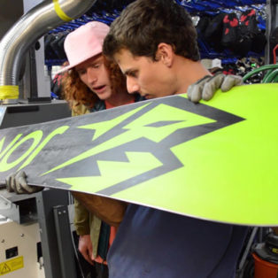 Video: How To Repair Your Ski And Snowboard Base With P-Tex