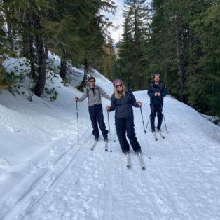 Trip Report: Cross Country Skiing Trillium Lake, Mt Hood, Oregon